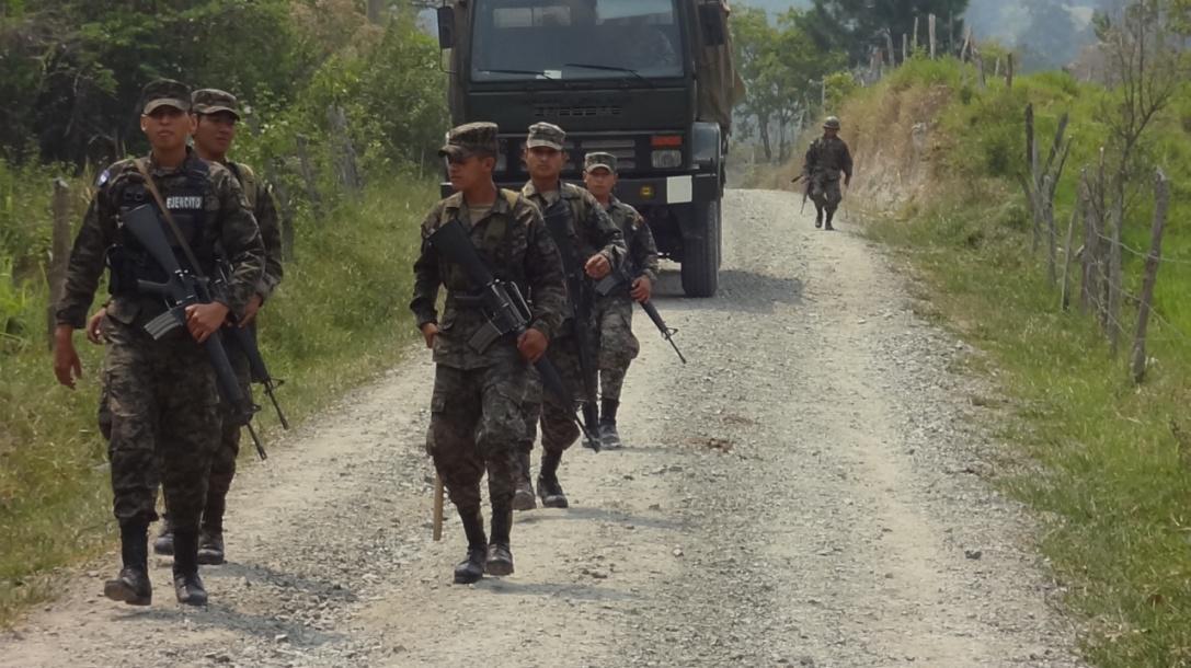 Rio Blanco - Esercito segue il corteo