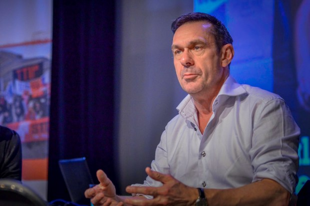 Journalist og forfatter Paul Mason. Foto: Sleeves rolled up.