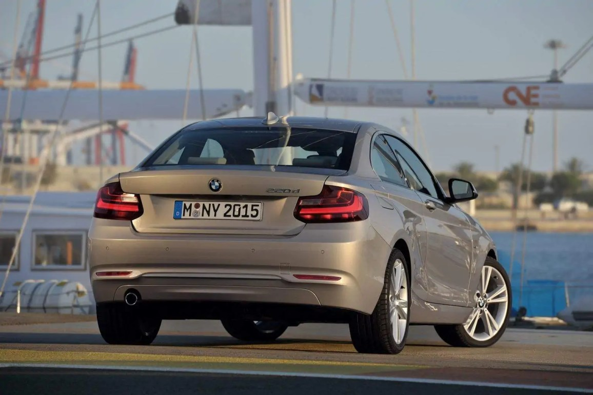 bmw-2-series-coupe-8