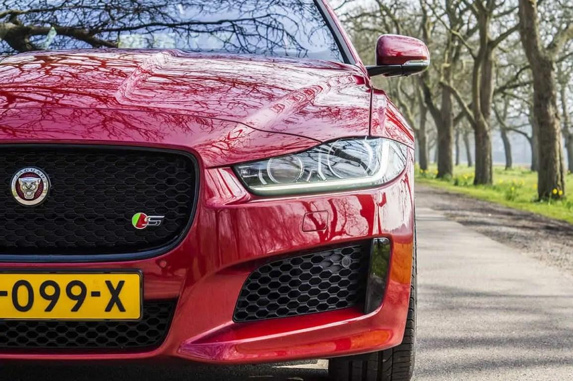 Jaguar-xe-s-header