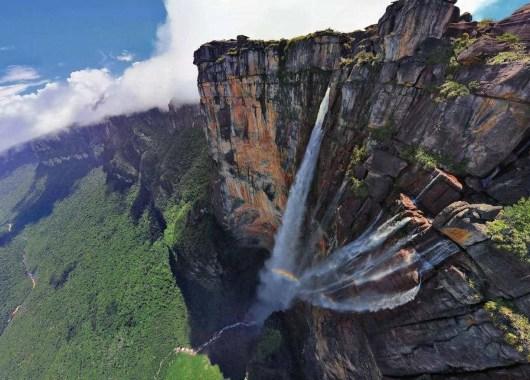 manify-header-waterfall