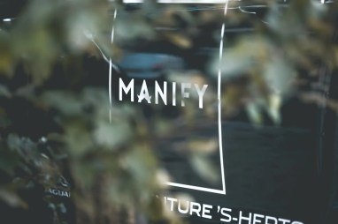 Manify-Out-of-office-E8-12