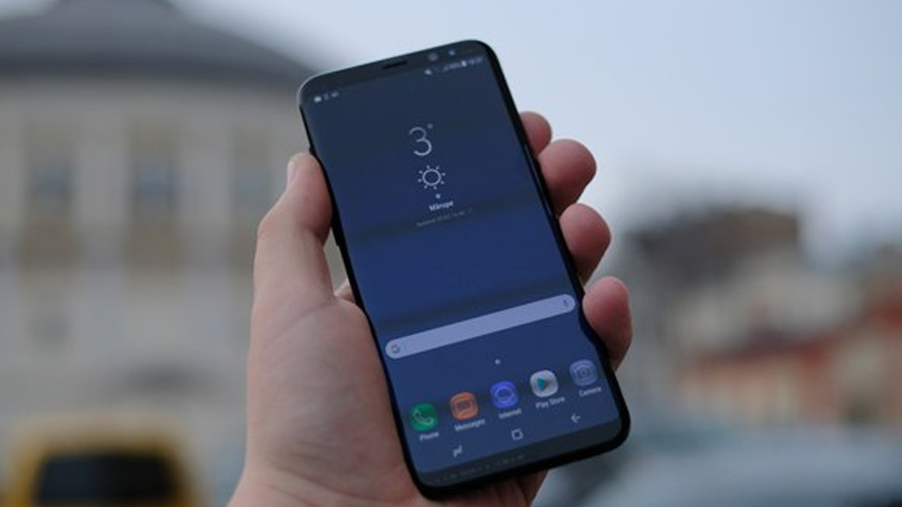 Samsung Galaxy S9+ lookalike listed by a Chinese seller