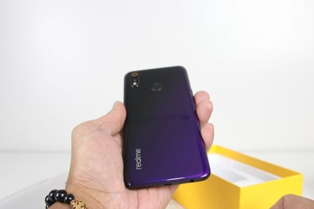 Realme 3 Pro Review: Best Gaming Budget Phone in 2019?
