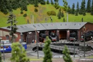 Modelleisenbahn Reparaturvon Loks
