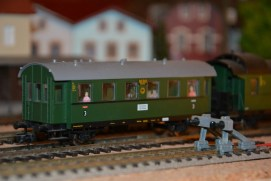 Beleuchteter Wagon Modellbahn-Reparatur