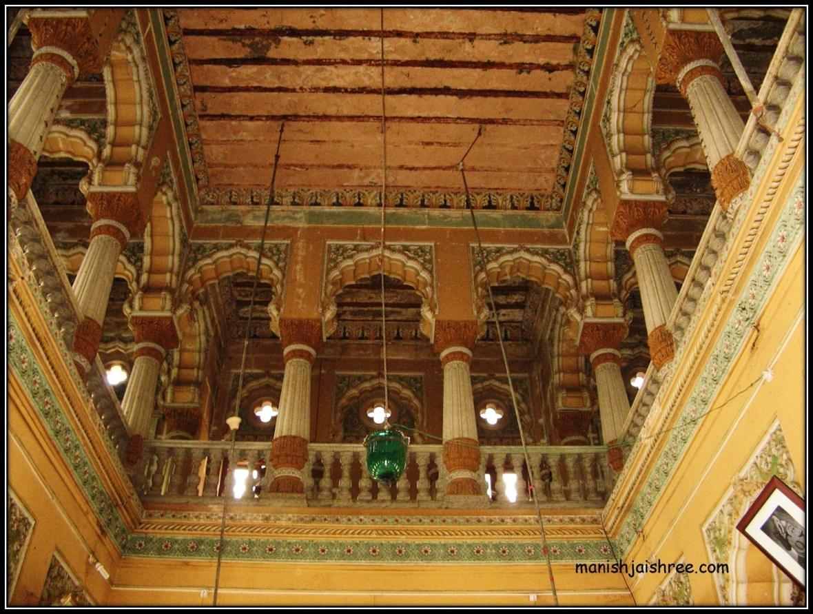 Inside Shinde Chhatri