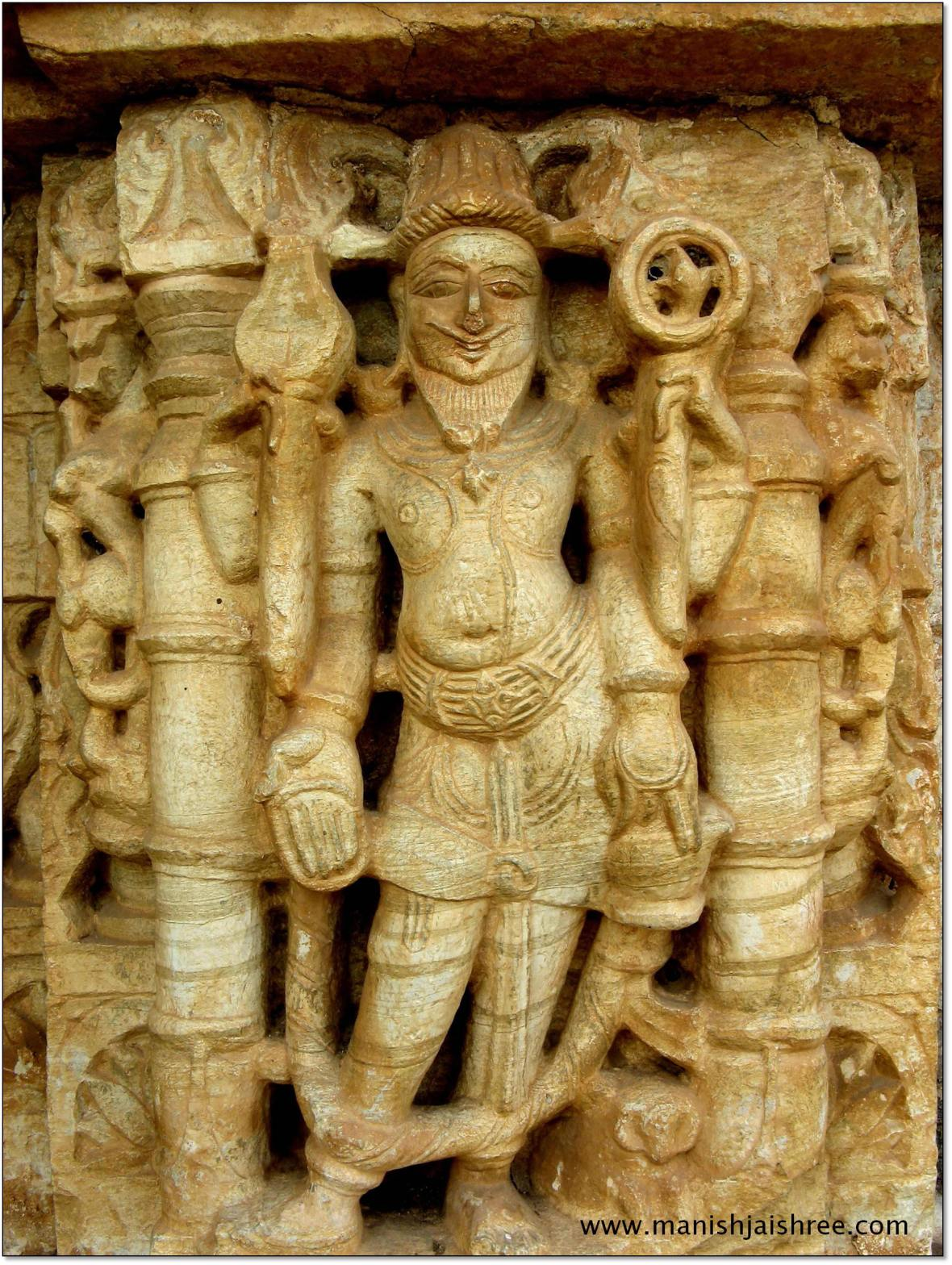 Another Deity on the walls of Saamidheswar Temple