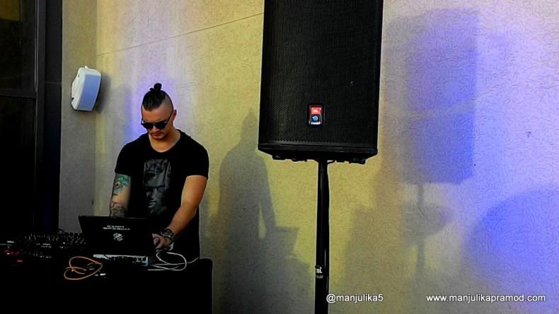 DJ, Infiniti Pool Lounge, Sofitel, JBR, Dubai, Beach