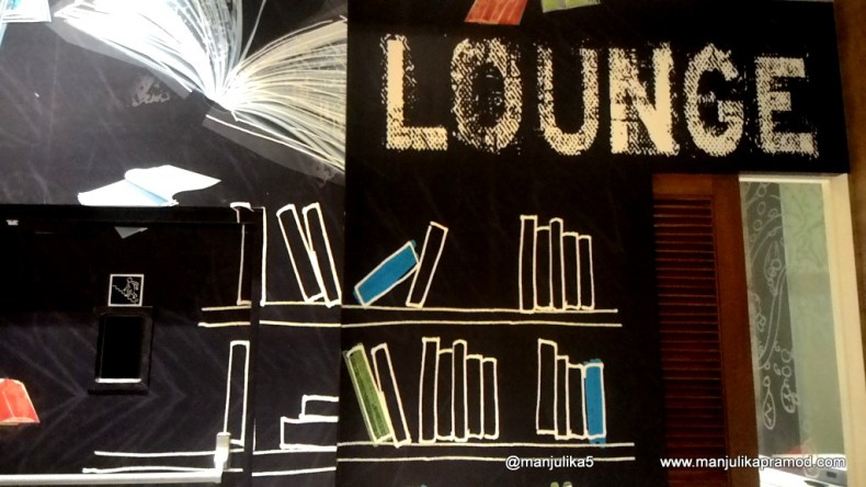 I would have loved books too along with the wall art, Lounge, Accor hotel, Formule 1