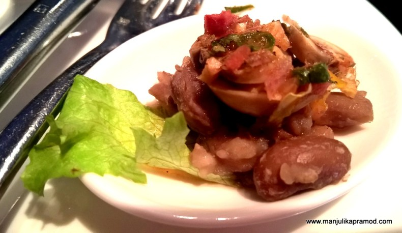 NYC-New York Cafe-Beans and mushroom Salad, Salad bowl