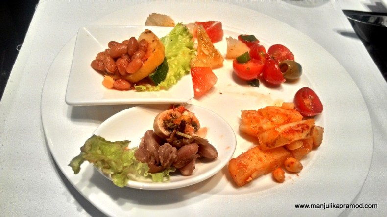 Salads on my plate, Buffet in Delhi, New York Cafe