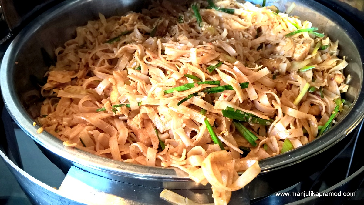 Phad Thai Chae- Pad Thai Veg Noodles-Imperial Delhi-Thai lunch