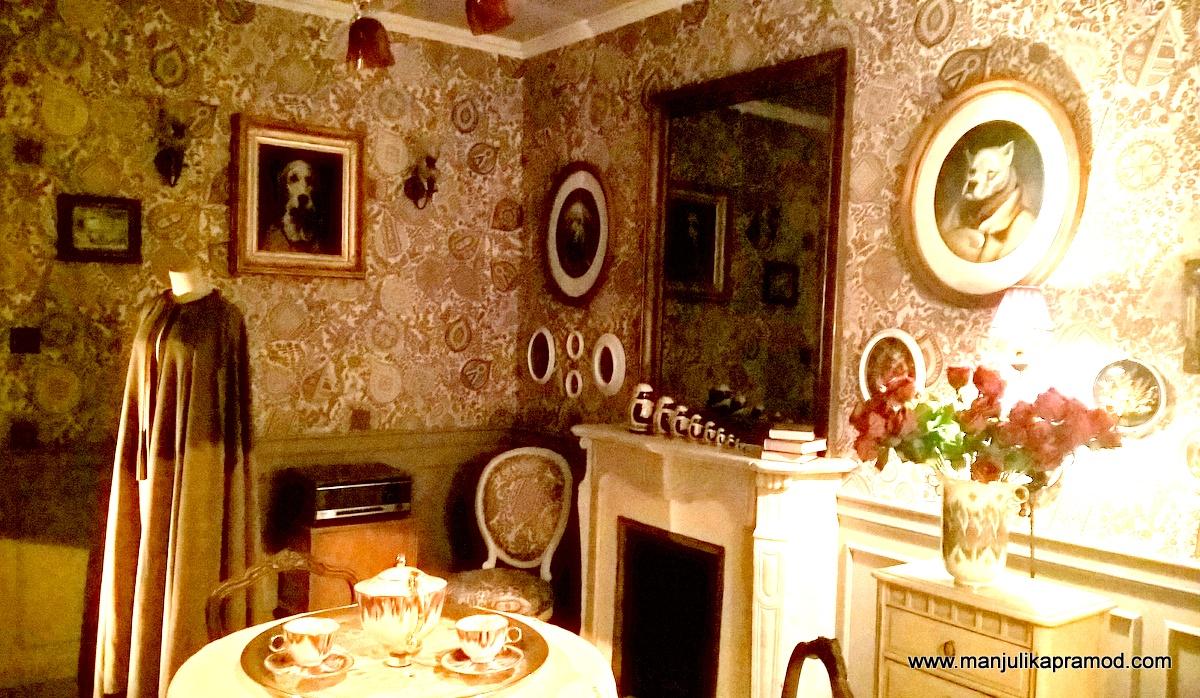 The room of grandeur and luxury