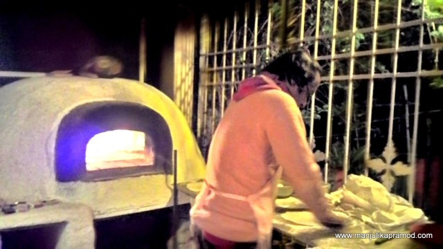 Frank-made-wood-fired-pizza-for-us