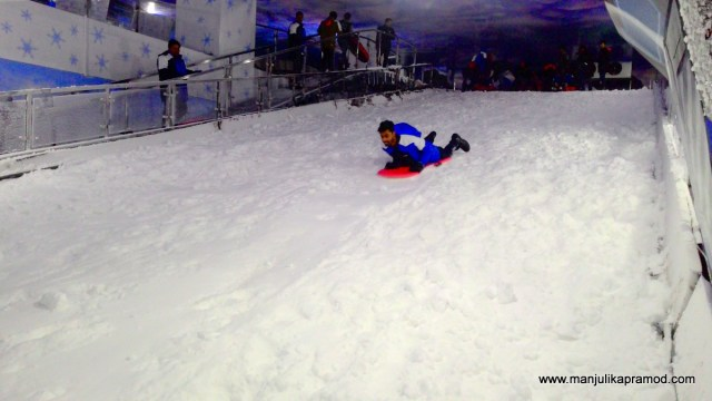 Ski India, Noida, Mall of India, Snow park
