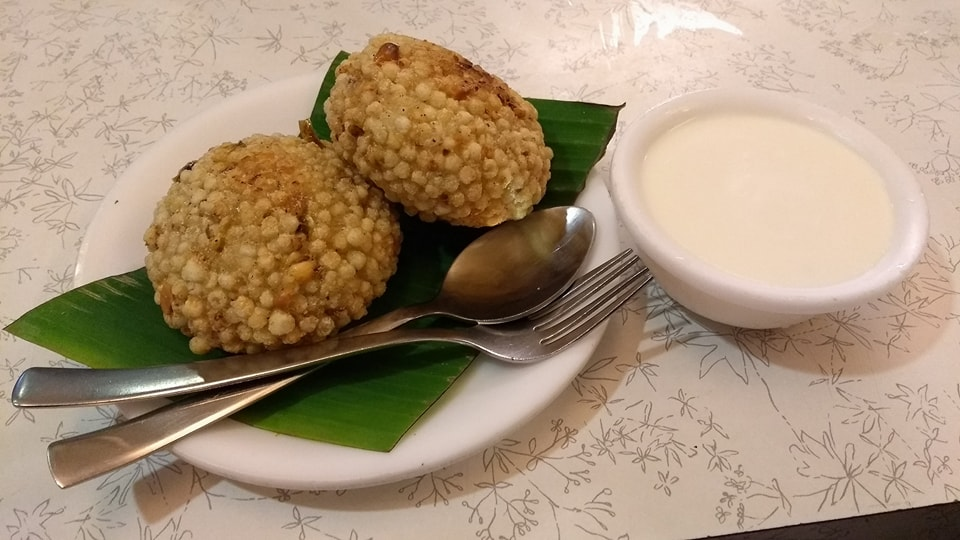 Sabdudana wada at Pruthvi Vegetarian