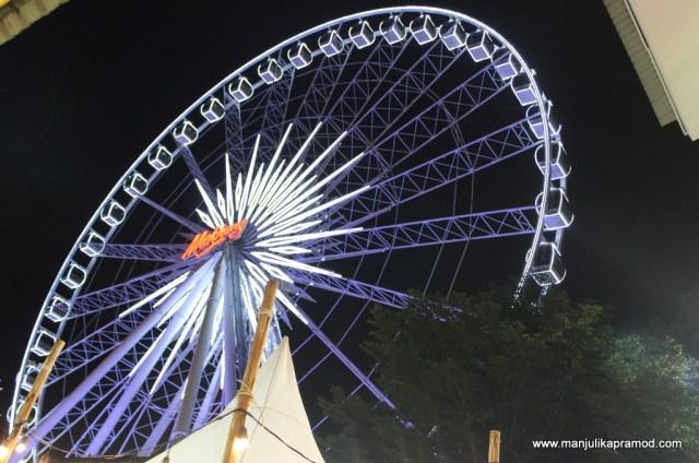 Ferris wheel -Asiatique
