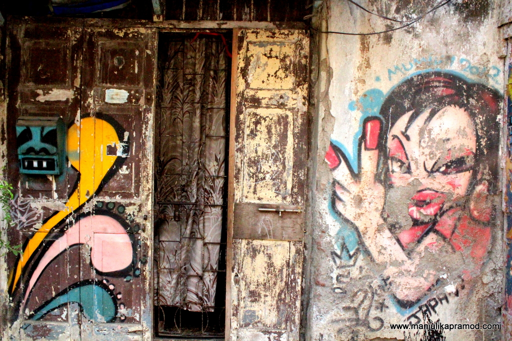 Go for art walks in Mumbai