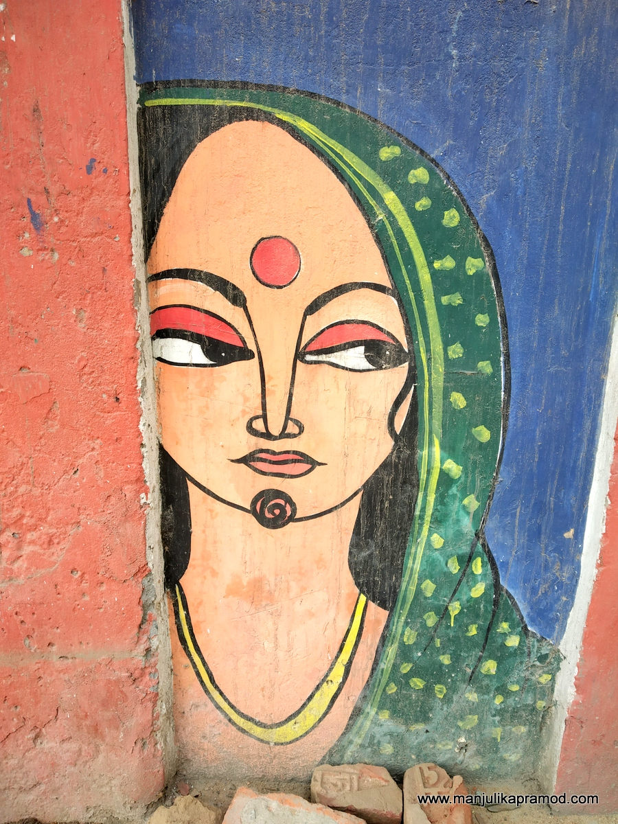 Colorful imagery, urban sentiments, old traditions, people  & faces make for street art.