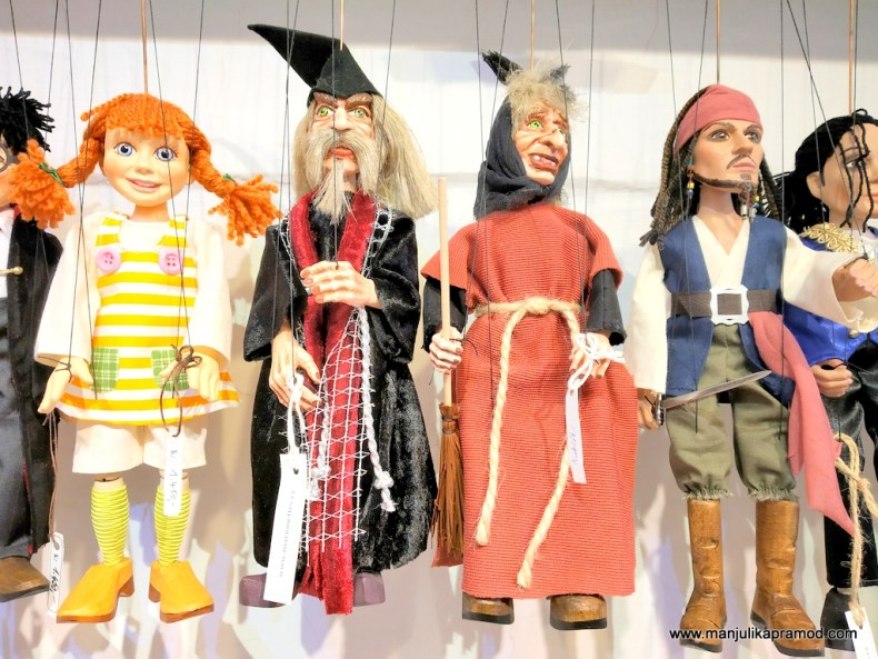 Puppet maker and woodcarvers of Prague!