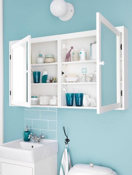 SILVERÅN-peilikaappi on erinomainen pieneen kylpyhuoneeseen.