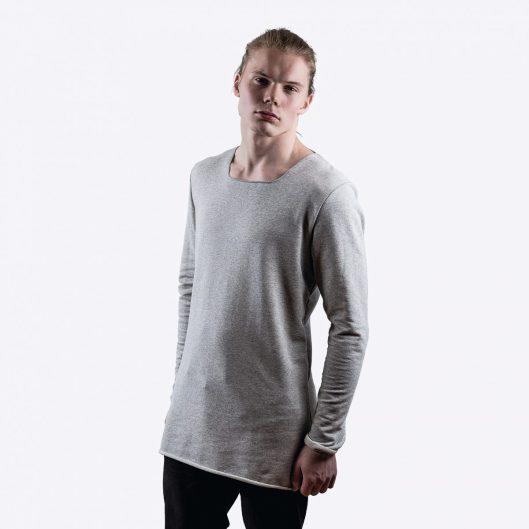 Angle on yksinkertaisen tyylikäs paita, johon kulmikas kaula-aukko tuo mielenkiintoa.
