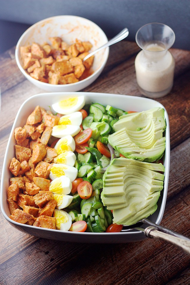 Buffalo Chicken Cobb Salad| www.mannaandspice.com