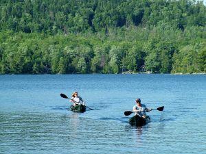 summer-fun-on-the-lake-1-834491-m