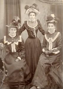 Haugh sisters of Dingo Creek