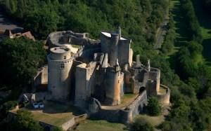 chateau-de-bonaguil pres du grand Gîte de La Gabertie