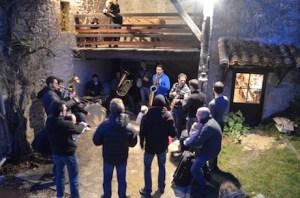 La fanfare des Lous Papalounes en action au grand Gîte de la Gabertie