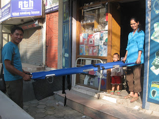 Brancard acheté à Kathmandu