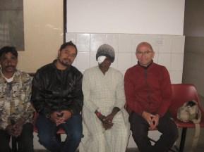 Binari Ram nous a été présenté par notre ami Safir (En noir)