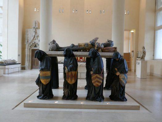 conservation restauration tombeau philippe pot musée du louvre sculpture polychromie pierre pleurants