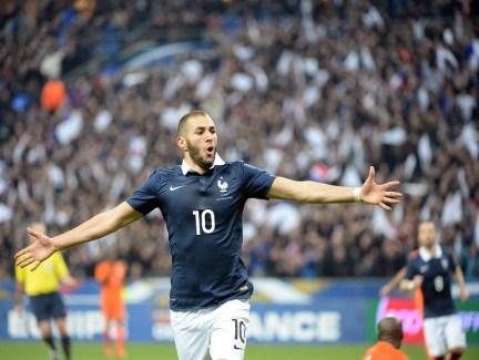Benzema celebra su estado de forma. Ayer también marcó Foto: www.elheraldo.hn