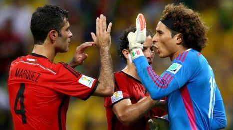 Guillermo Ochoa fue uno de los héroes en el empate de ayer. Foto: televisadeportes.esmas.com