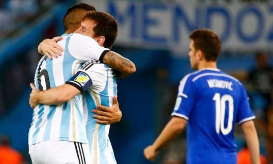 Messi celebra el beun debut en el Mundial de Argentina Foto: larepublica.pe