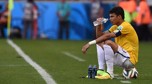 Thiago Silva se perderá las semifinales por sanción. Foto: marca.com
