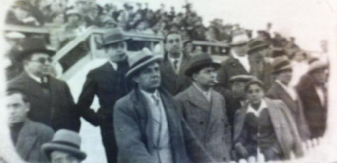 En el Patronato Ignacio Sánchez Mejías. A su izquierda Federico Cazorla, padre de nuestro protagonista