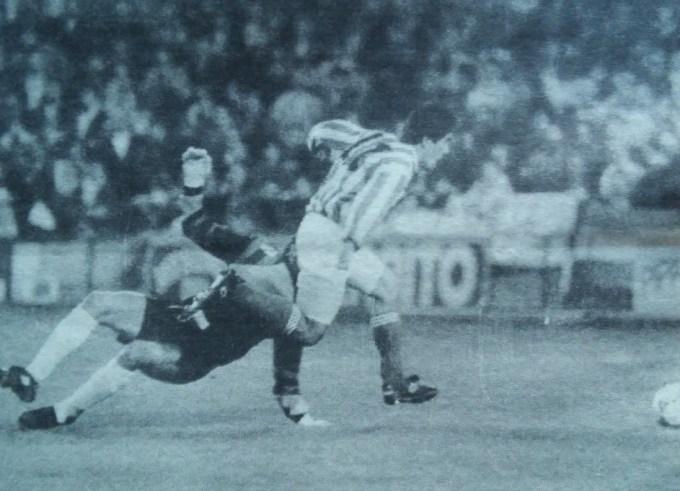 Betis-Atl. Marbella Liga 1994 Gol de Aquino Diario 16 24-02-1994