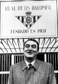 Hoy hace 33 años. Gerardo Martínez Retamero es reelegido presidente.