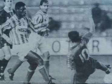 Hoy hace 26 años. Betis 5 Atlético Marbella 2.