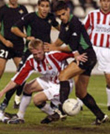 Hoy hace 18 años. Viktoria Zizkov 0 Betis 1 en Copa UEFA.