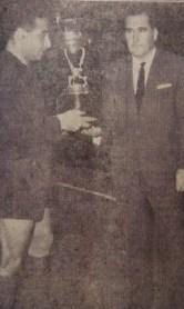 Entrega a Pepín del Trofeo Estrella del Sur 1964