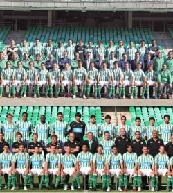 2010-11. Una temporada con dos imagenes oficiales