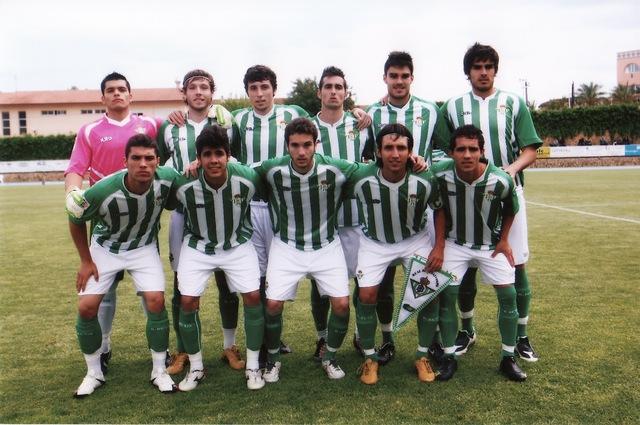 Arriba: Linares, José Ángel, José Antonio, Súper, Fran y Tito No. Abajo: Tapia, Pozuelo, Boro, Bernal y Ezequiel