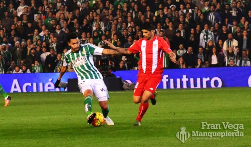 Petros y Banega los protagonistas de la medular (Betis-Sevilla 15/16)