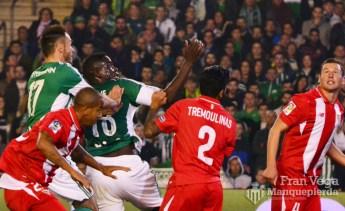 No hubo suerte en los corners (Betis-Sevilla 15/16)