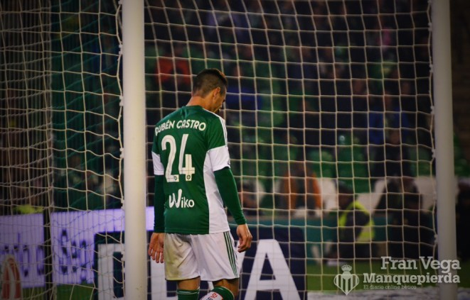 Esta ve Ruben muy solo en punta (Betis-Sevilla 15/16)